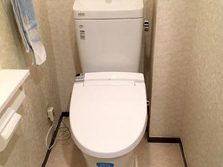 トイレリフォーム タンクも便器もすっきり、壁リモコンになり自動洗浄ができるトイレ